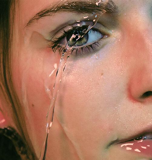 Hialuronskābe ir spēcīgs ādas mitrinātājs